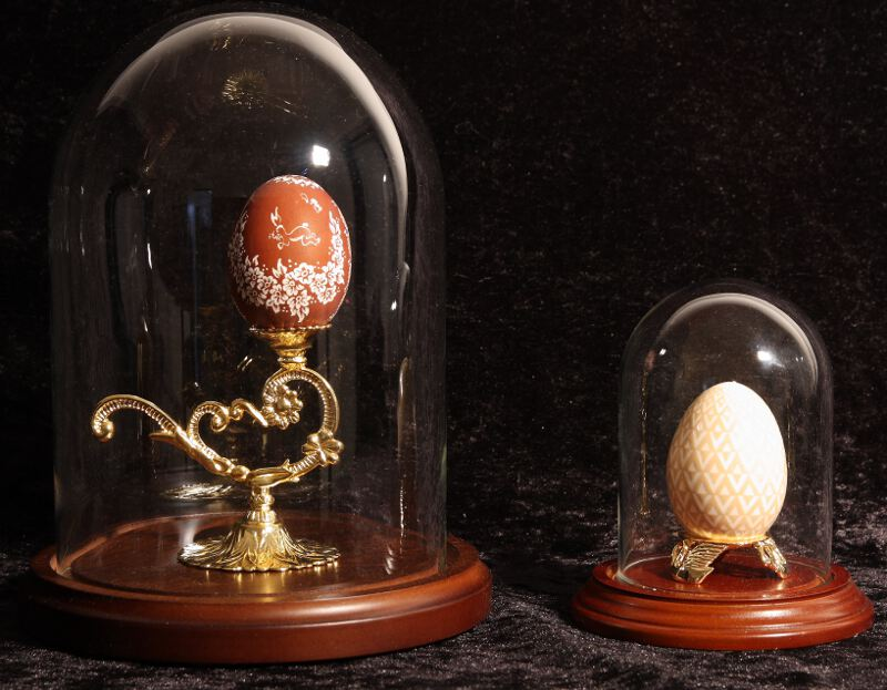 Decorated egg shell : Glass domes and wood base for elegant display