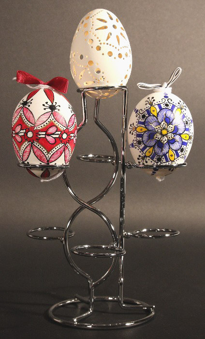 Decorated egg shell : Stand for several chicken or duck egg shells