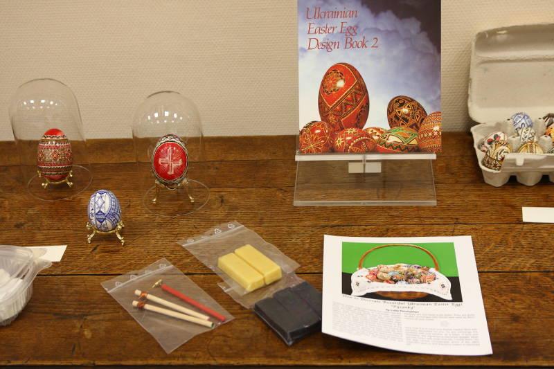 Exposition d'oeufs à la médiathèque de Condom